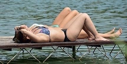 Ráront a nyár Baranyára: a hőség és az extrém magas UV-sugárzás miatt adtak ki figyelmeztetést
