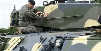 Leopardokat is bevethet a magyar hadsereg