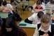 Azt kérik a tanárok, hogy a helyi fertőzöttségi viszonyok alapján dönthessenek a folytatásról