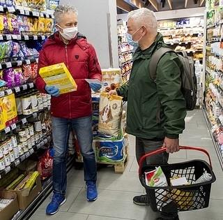 Ismét jön az idősáv, hétköznap 9 és 11 óra között csak az idősek vásárolhatnak