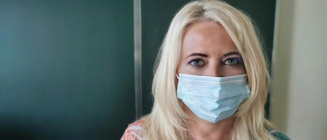 Sajnos továbbra sem lassul érdemben a járvány üteme, ismét sok az új beteg