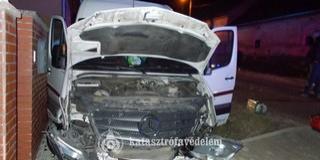 Árokba sodródott egy kisbusz Baranyában, négyen megsérültek