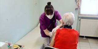 A regisztrált idősek beoltása most a legfontosabb feladat