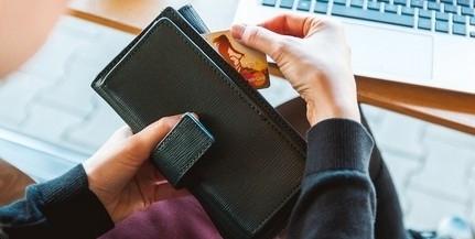Év végéig bármelyik alszámláról lehet fizetni a Szép-kártyákkal