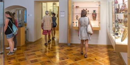 Egymás után nyitnak a pécsi múzeumok
