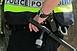 Elszunyókált az egyik pécsi buszmegállóban, ki is fosztották