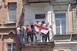 Tiltakozók a nemzeti zászlóra cserélték a szivárványost Tbilisziben