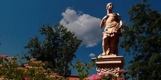 Egyéjszakás kalandra várják a látogatókat a Zsolnay-negyedben