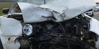 Két autó ütközött Siklóson, az egyik jármű felborult