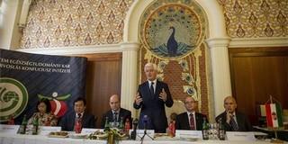 Megnyílt a kínai orvoslás első magyar Konfuciusz Intézete