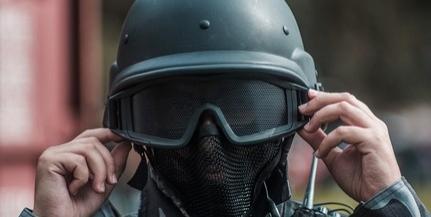 Beosztottja pedofilügyei miatt bukik a román parancsnok